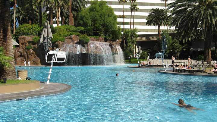 Best pools in las vegas for Indoor swimming pools in las vegas