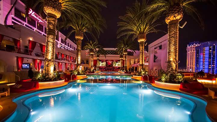 Drais rooftop pool deck
